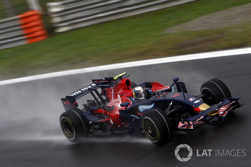 2008 : Toro Rosso STR3, à moteur Ferrari