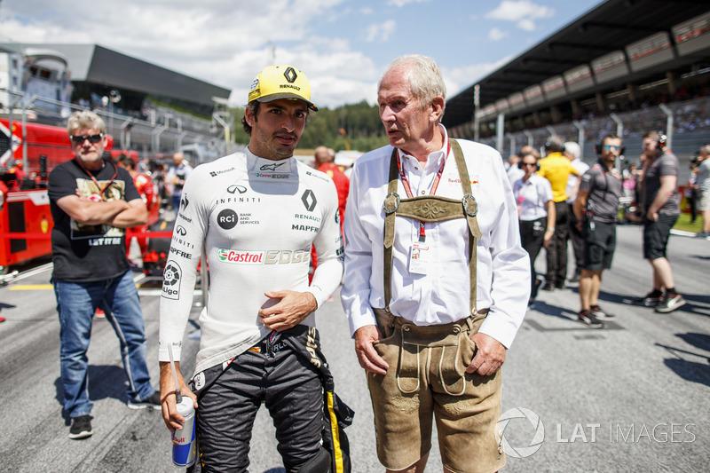 Carlos Sainz Jr., Renault Sport F1 Team, Helmut Markko, Consultant, Red Bull Racing