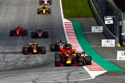 Max Verstappen, Red Bull Racing RB14, Kimi Raikkonen, Ferrari SF71H, Daniel Ricciardo, Red Bull Racing RB14, Romain Grosjean, Haas F1 Team VF-18, Kevin Magnussen, Haas F1 Team VF-18