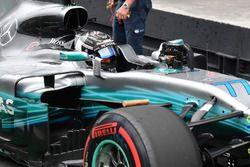 Polesitter Valtteri Bottas, Mercedes-Benz F1 W08 in parc ferme