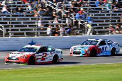 Brad Keselowski, Team Penske Ford and Ray Black Jr., Rick Ware Racing, Scuba Life Chevrolet SS