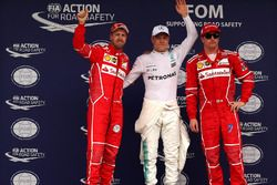 Top 3 Qualifiche: il poleman Valtteri Bottas, Mercedes AMG F1, il secondo qualificato Sebastian Vett