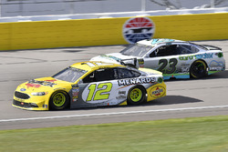 Ryan Blaney, Team Penske, Ford Fusion Menards / Pennzoil and Gray Gaulding, BK Racing, Toyota Camry Earthwater