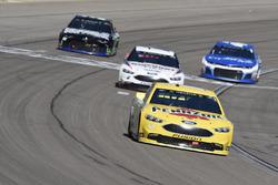 Ryan Blaney, Team Penske, Ford Fusion Menards / Pennzoil, Brad Keselowski, Team Penske, Ford Fusion Discount Tire