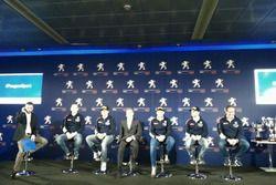 Il team Peugeot Sport Italia sul palco