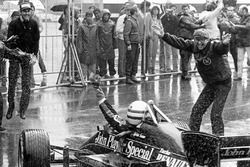 Race winner Ayrton Senna, Lotus 97T