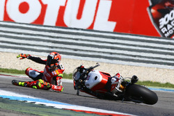 Lorenzo Savadori, Milwaukee Aprilia crash