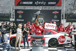 Ryan Preece, Joe Gibbs Racing, Toyota Camry Rheem en victory lane