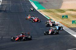 Jake Hughes, ART Grand Prix e Simo Laaksonen, Campos Racing