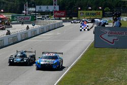 #33 Riley Motorsports Mercedes AMG GT3, GTD: Jeroen Bleekemolen, Ben Keating, #10 Wayne Taylor Racing Cadillac DPi, P: Renger van der Zande, Jordan Taylor