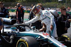 Lewis Hamilton, Mercedes AMG F1 W09, sur la grille