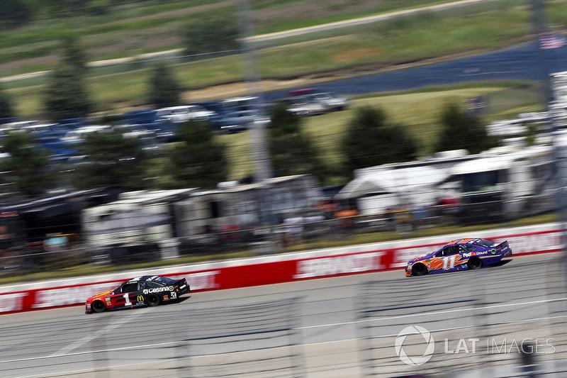 Jamie McMurray, Chip Ganassi Racing, Chevrolet Camaro McDonald's/Cessna e Denny Hamlin, Joe Gibbs Racing, Toyota Camry FedEx Ground