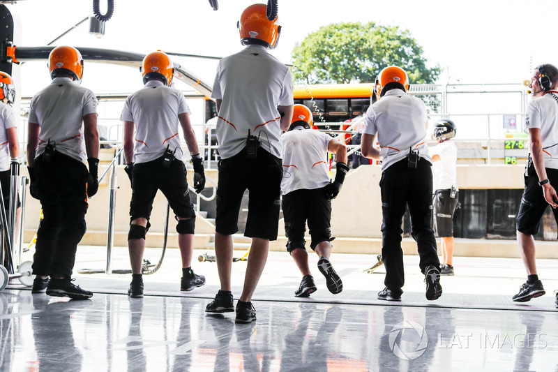 McLaren mechanics