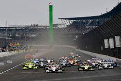 Will Power, Team Penske Chevrolet, Simon Pagenaud, Team Penske Chevrolet, Sébastien Bourdais, Dale Coyne Racing with Vasser-Sullivan Honda, Josef Newgarden, Team Penske Chevrolet, start