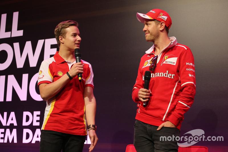 Gianluca Petecof y Sebastian Vettel