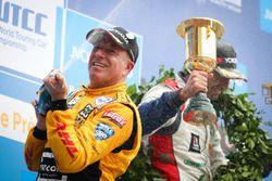 Подиум: Том Коронель, Roal Motorsport
