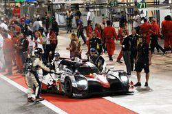 I vincitori della gara #8 Toyota Gazoo Racing Toyota TS050-Hybrid: Sebastien Buemi, Anthony Davidson