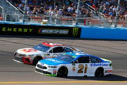 Ryan Blaney, Wood Brothers Racing Ford and Matt Kenseth, Joe Gibbs Racing Toyota