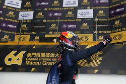 Il vincitore della gara Dan Ticktum, Motopark with VEB, Dallara Volkswagen