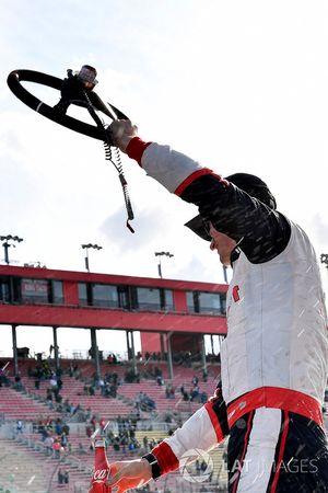 Joey Logano, Team Penske, Ford Mustang Discount Tire wins