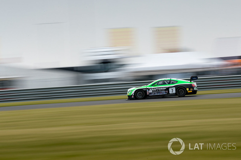 #7 Team Parker Racing Ltd - Bentley Continental GT3 - Ian Loggie, Callum Macleod