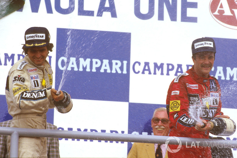 Podium: race winner Nelson Piquet, Williams, third place Nigel Mansell, Williams