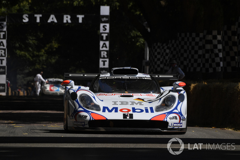 Brendon Hartley, Porsche 911 GT1 (1998)