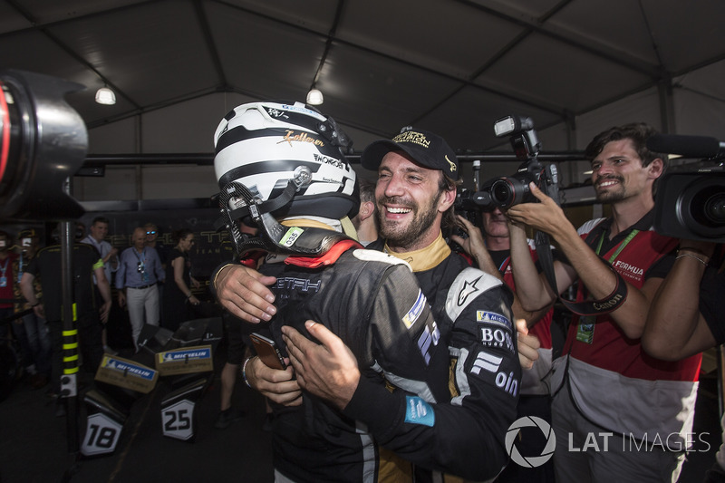 Andre Lotterer, Techeetah, félicite le champion Jean-Eric Vergne, Techeetah
