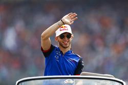 Pierre Gasly, Toro Rosso lors de la parade des pilotes