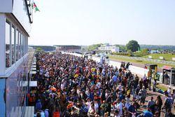 Fans in the BTCC pitlane
