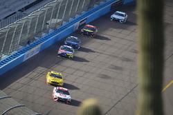 Matt Kenseth, Joe Gibbs Racing Toyota, Landon Cassill, Front Row Motorsports Ford, Kyle Busch, Joe G