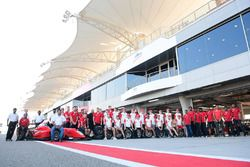 Drivers group photo with MRF team members