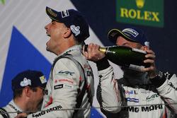 Podyum: 2. Earl Bamber, Porsche Team