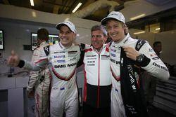Earl Bamber, Porsche Team, Fritz Enzinger, head of Porsche Team, Brendon Hartley, Porsche Team celebrate