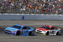 Aric Almirola, Richard Petty Motorsports Ford, Ryan Blaney, Wood Brothers Racing Ford