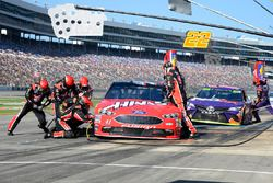 Kurt Busch, Stewart-Haas Racing Ford, makes a pit stop