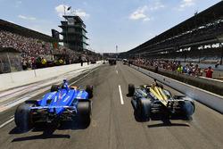 Scott Dixon, Chip Ganassi Racing Honda, James Hinchcliffe, Schmidt Peterson Motorsports Honda