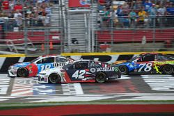 Kyle Busch, Joe Gibbs Racing, Toyota Camry M&M's Red White & Blue, Kyle Larson, Chip Ganassi Racing, Chevrolet Camaro DC Solar, Martin Truex Jr., Furniture Row Racing, Toyota Camry Bass Pro Shops/5-hour ENERGY