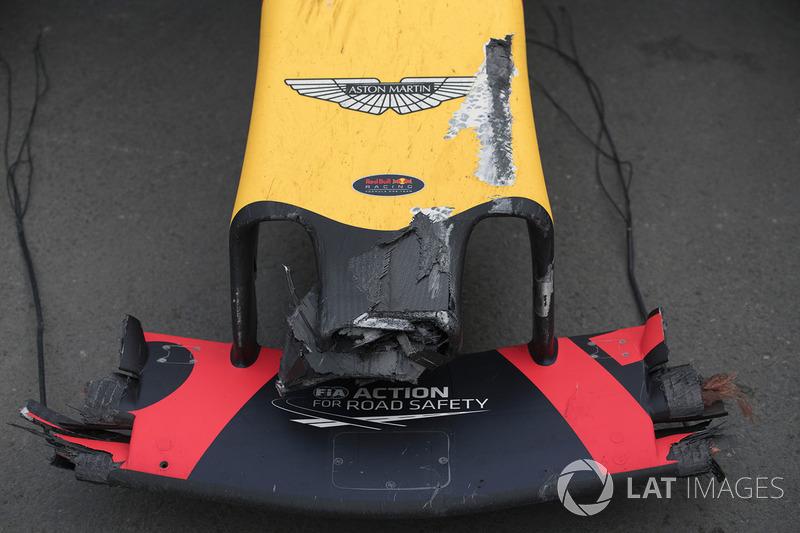 Zniszczony samochód Maxa Verstappena, Red Bull Racing