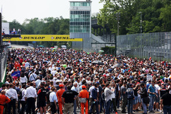 Fans on the grid