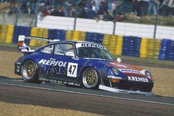 #47 Porsche 911 GT2 Evo: Tomas Saldana, Prince Alfonso de Orleans Bourbon, Paul Burdell