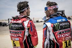 Гонщики Monster Energy Honda Team Хоан Барреда Борт (№5) и Мишель Метж (№14)