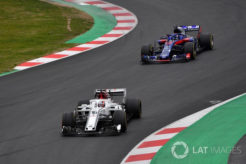 Charles Leclerc, Alfa Romeo Sauber C37, Pierre Gasly, Scuderia Toro Rosso STR13