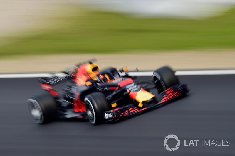 Max Verstappen estreou hoje e fez o quarto melhor tempo.