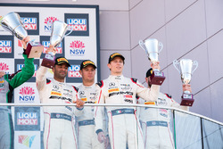 Podium Pro-AM: derde plaats Nick Leventis, Lewis Williamson, Cameron Waters, David Fumaneli, Strakka