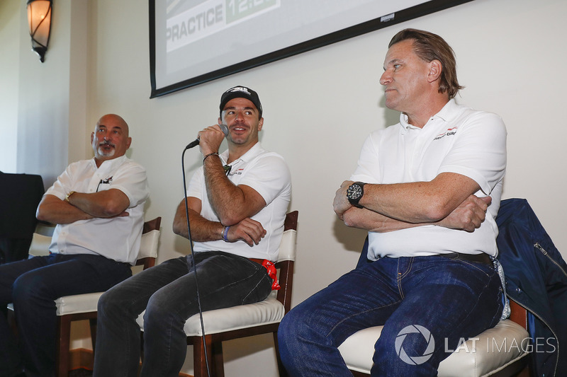 Oriol Servia with Bobby Rahal and Stefan Johansson