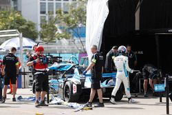 Nicolas Prost, Renault e.Dams, walks away after crashing his car