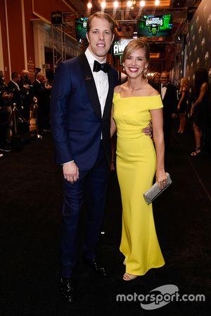 Brad Keselowski y su esposa Paige