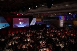 Logotipo del Circuito Internacional de Bahrein en la pantalla grande