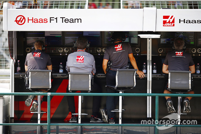 The Haas team on the pit wall
